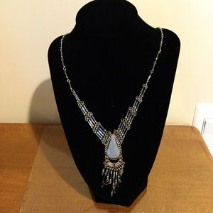 Jewelry - Blue drop necklace